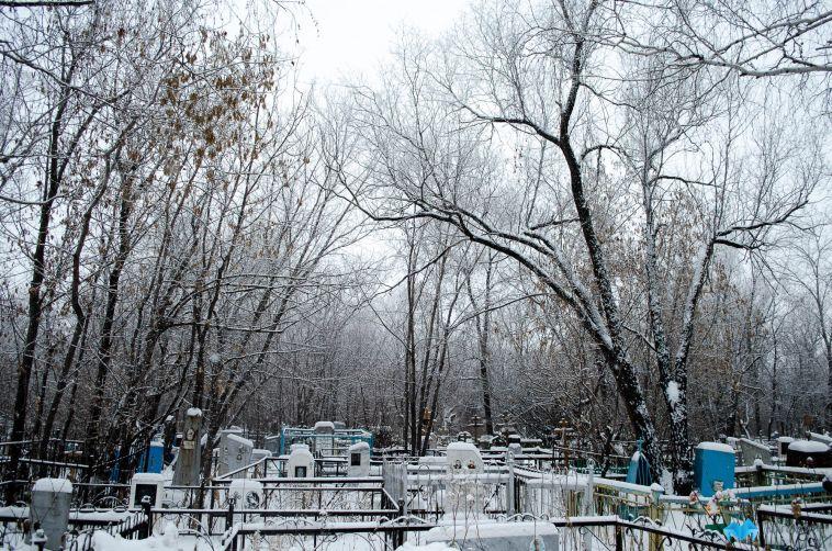 На челябинском кладбище застрелили двух мужчин