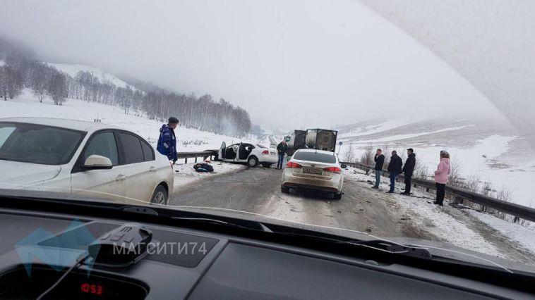 Стали известны подробности утренней аварии по дороге в Абзаково