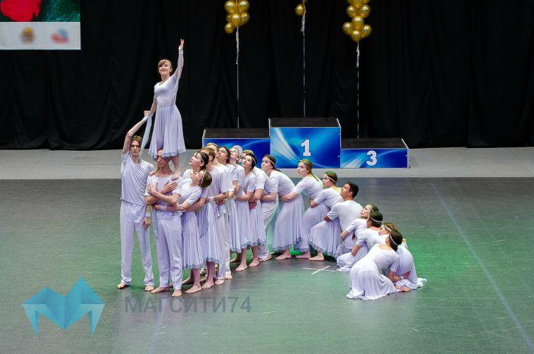 Во дворце Ромазана отгремел фестиваль «Улица горящих фонарей»