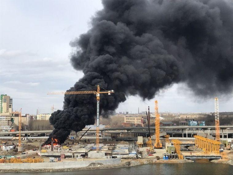 В Челябинске произошел пожар на стройке конгресс-холла