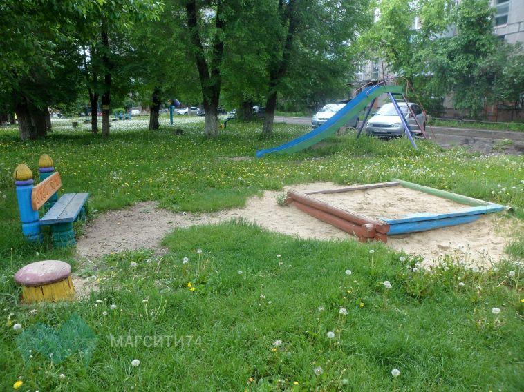 В Свердловской области мальчик погиб, упав с горки