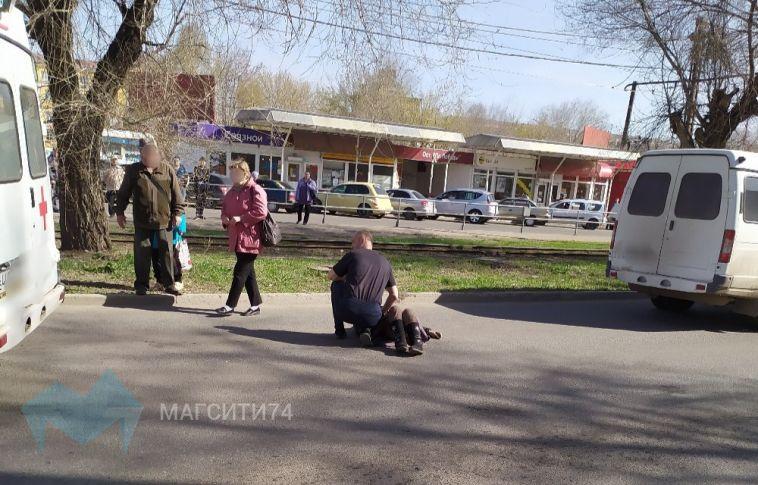«Находится без сознания»: на левом берегу пенсионерка попала под колеса маршрутки