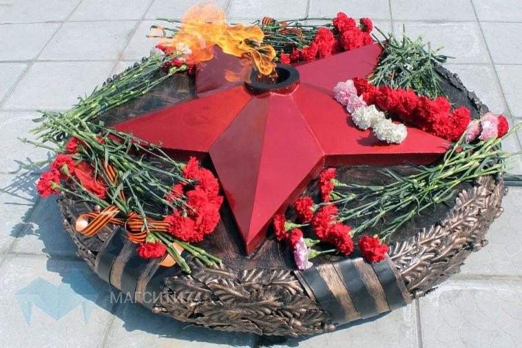 Накануне Дня Победы газовики проверили мемориалы «Вечный огонь»