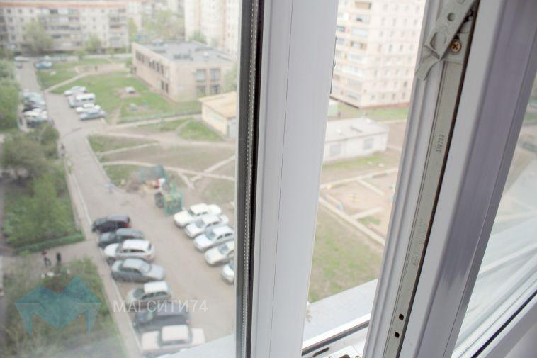 В Магнитогорске из окна выпал четырехлетний ребенок