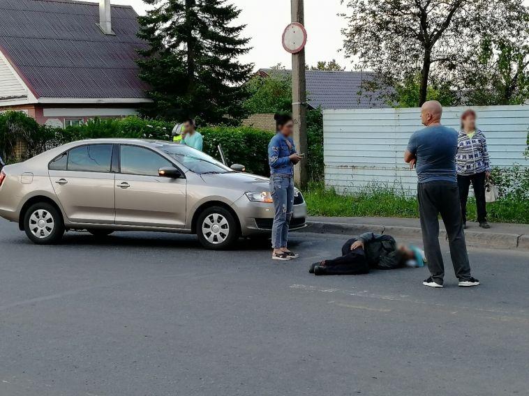 Пешеход попал под колеса иномарки