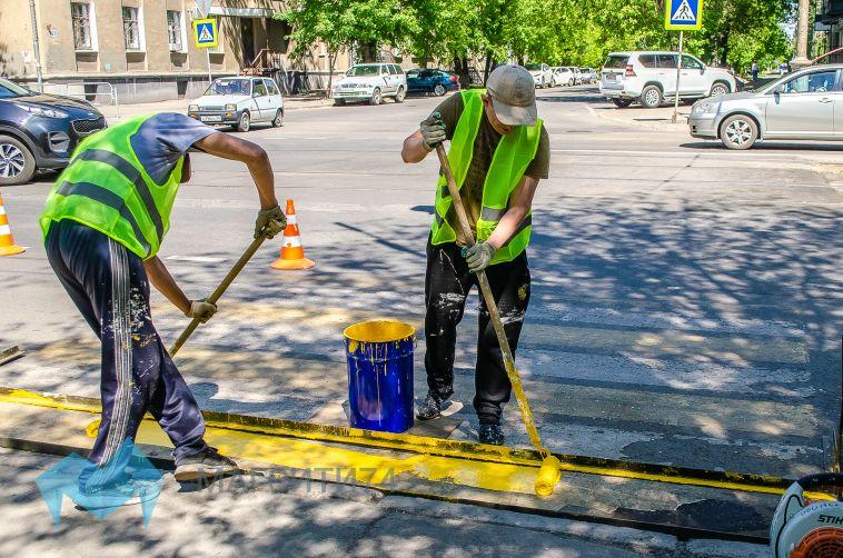 Сотрудники ГИБДД проверили наличие разметки в городе