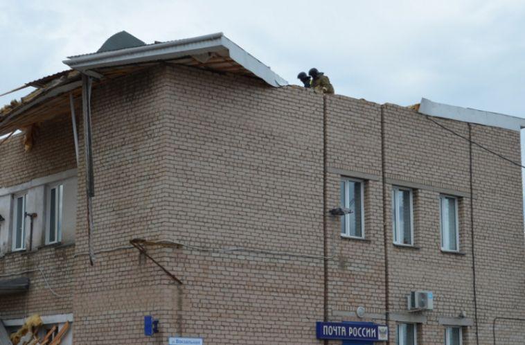 В Магнитогорске у «Почты России» снесло крышу