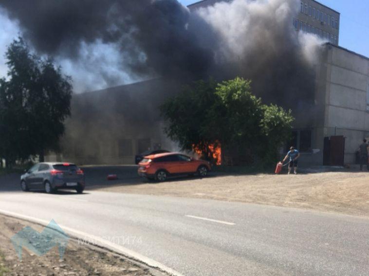 В пожаре на производстве пострадал сотрудник