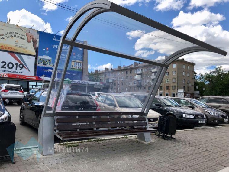 Новые остановочные комплексы стали полотнами для уличных «художников»