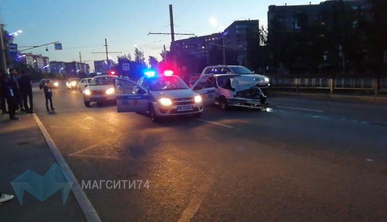 В Магнитогорске погоня за нарушителем закончилась сильным ДТП