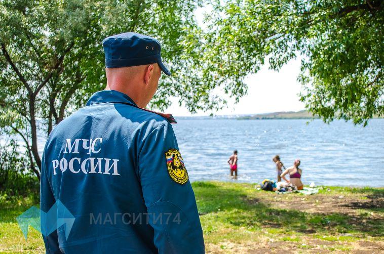 Купаться запрещено: спасатели наведались на дикие пляжи левого берега