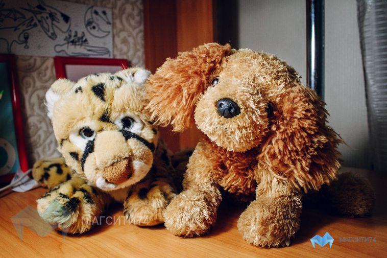 В Магнитогорске в кустах обнаружили двоих детей