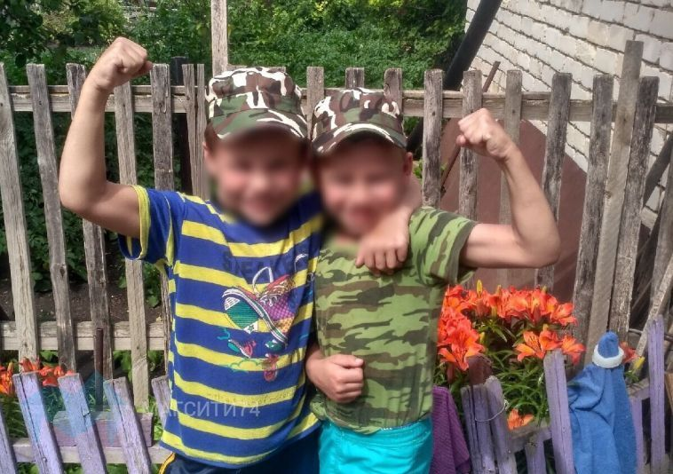 Мама, найденных в кустах мальчиков, обратилась в полицию