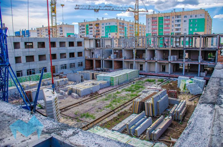 Четыре здания с одним переходом: в Магнитогорске возводят школу по новому проекту