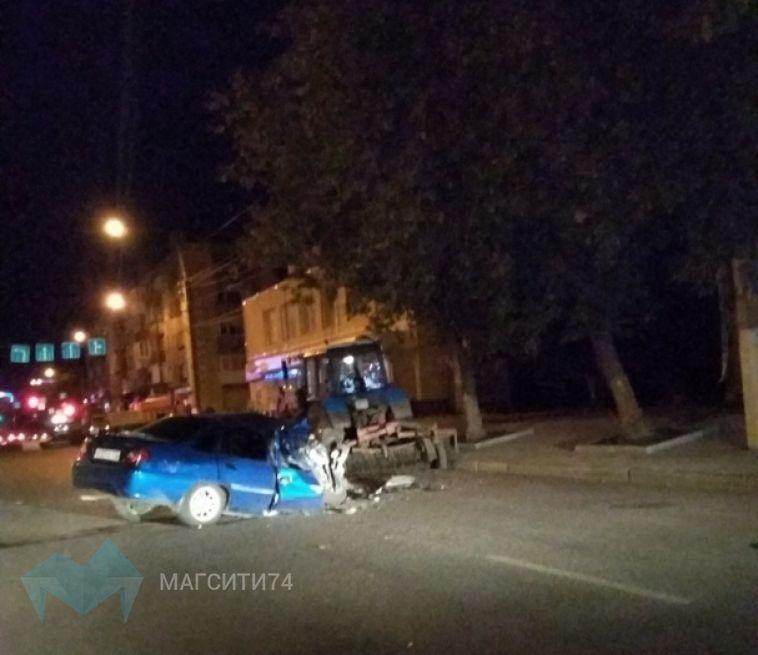В ДТП с трактором пострадала молодая девушка