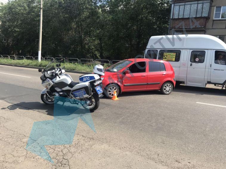 На Гагарина произошло ДТП с участием полицейского мотоциклиста