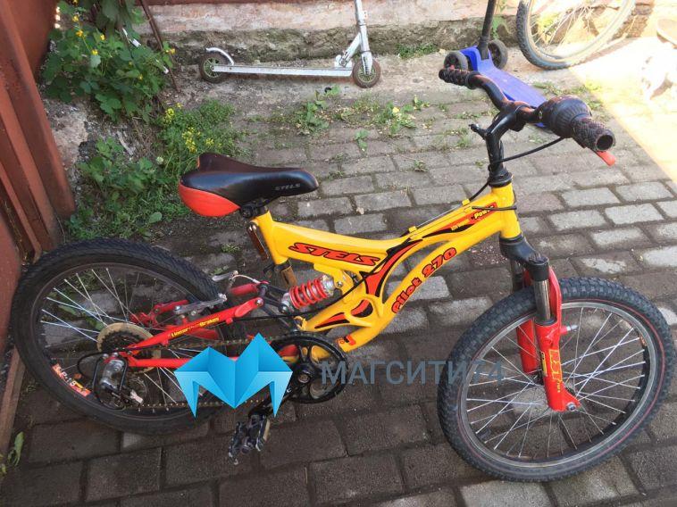 В районе Банного женщина сбила восьмилетнего велосипедиста