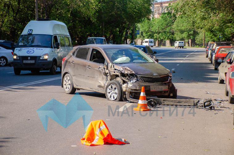 Во вчерашней аварии на левом берегу пострадали девять автомобилей