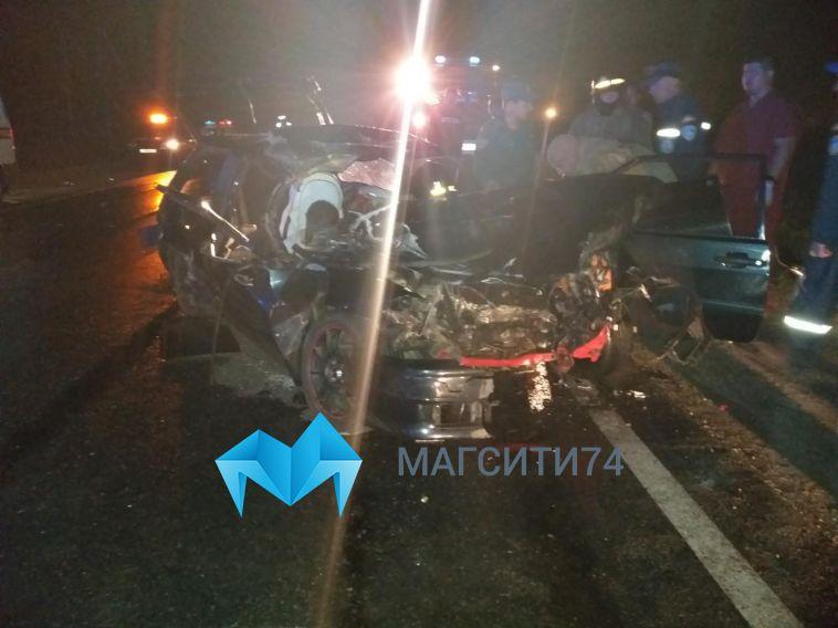 «ВАЗ» залетел под большегруз на Агаповском шоссе