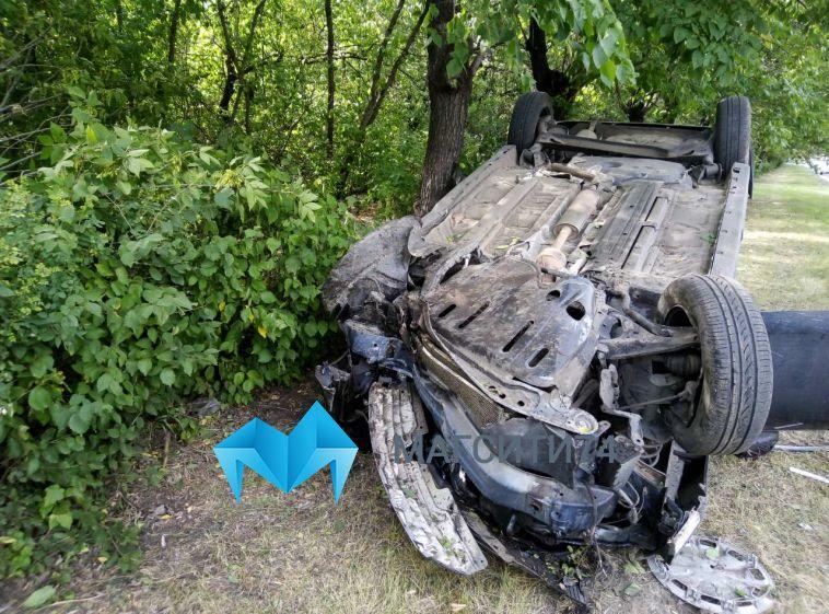 Водитель перевернувшейся иномарки на проспекте Пушкина сел за руль без прав
