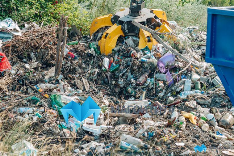 Объем вывезенного мусора за неделю почти в два раза превысил средний показатель