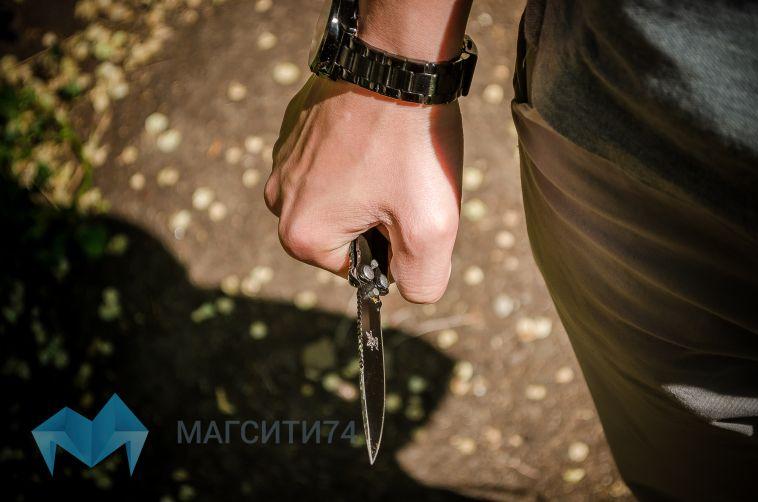 Магнитогорец, угрожая ножом, ограбил офис микрозаймов в Симферополе