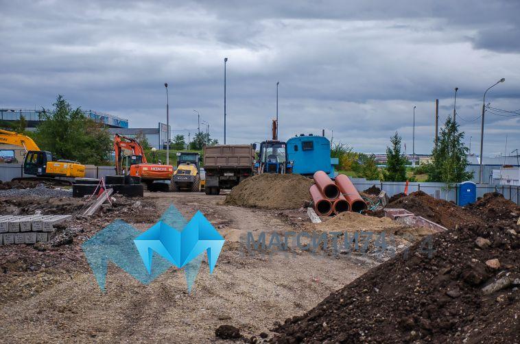 В Магнитогорске продолжается строительство нового тренировочного катка