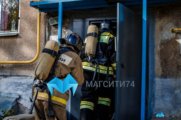 В пожаре на улице 50-летия Магнитки пострадала девушка