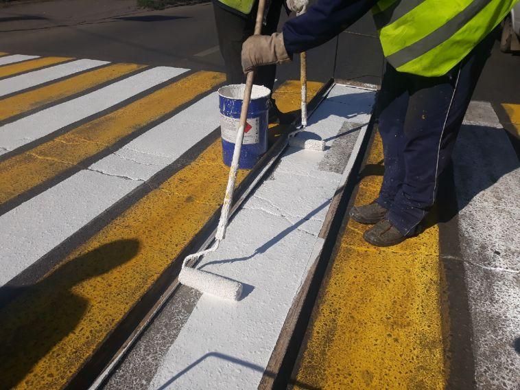 На магнитогорских улицах рисуют сверкающие «зебры»