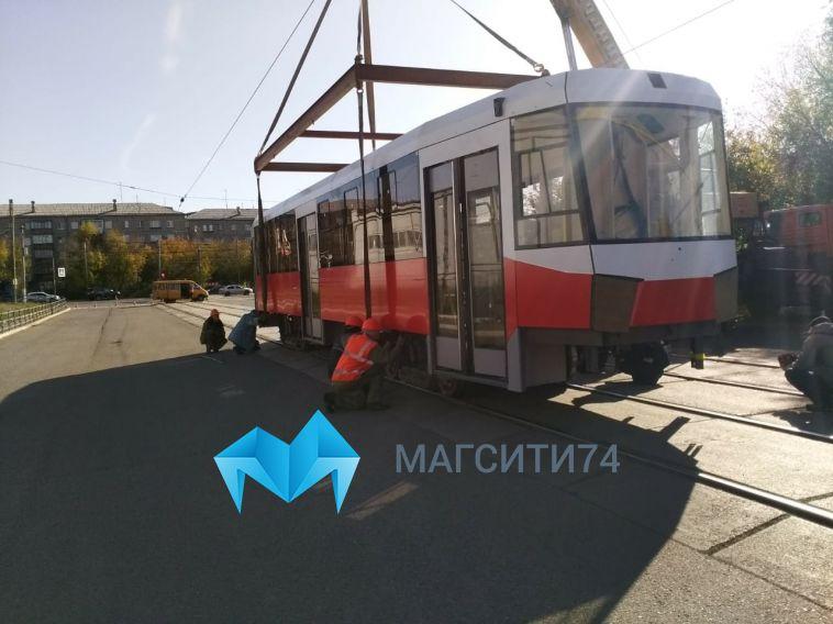 В Магнитогорск из Екатеринбурга прибыл новый трамвайный кузов