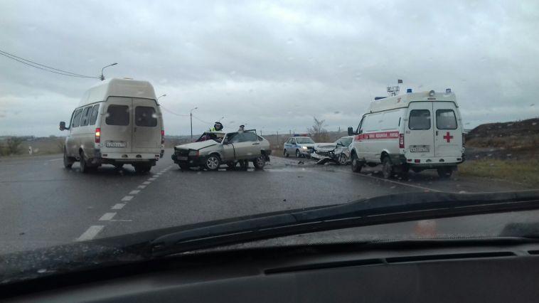 Налевом берегу вДТП травмировались оба водителя