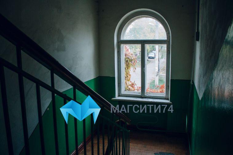 В Якутске мать бросила полуторагодовалого малыша в подъезде