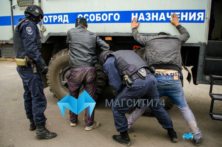 Сотрудники магнитогорского ОМОН выявили двух нелегалов