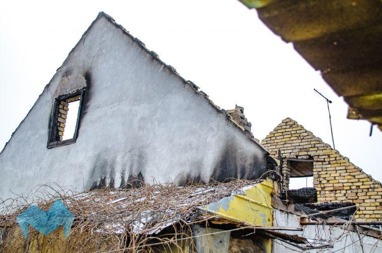 В Магнитогорске горел садовый домик