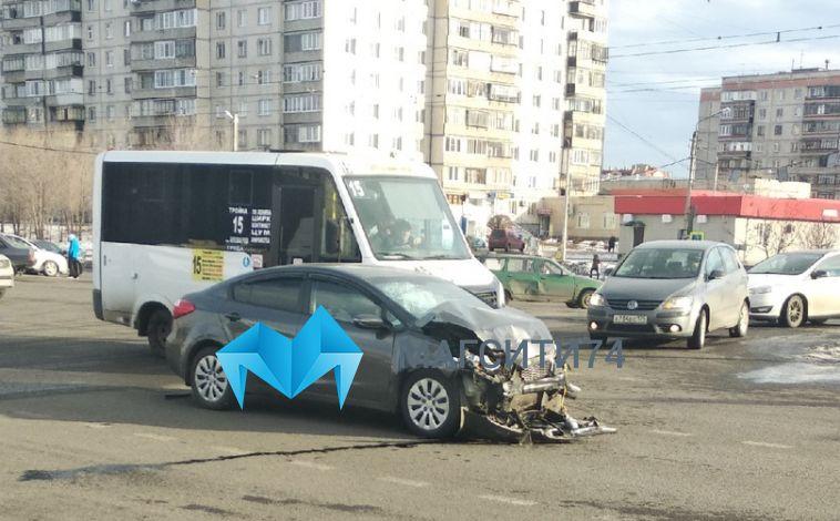 «В машине прижало женщину»: пенсионерка пострадала в ДТП на перекрестке