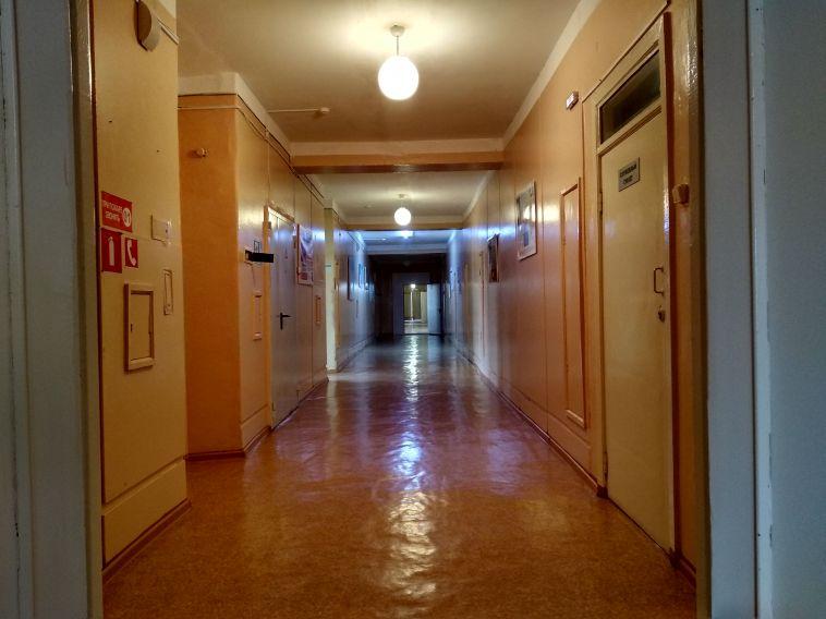 Вбольнице, где санитарка половой тряпкой умывала пациентку, уволили главврача