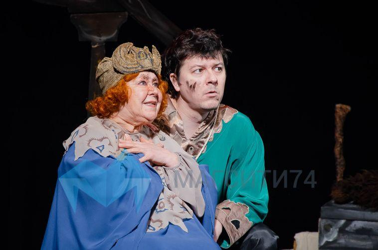 Сегодня отмечает юбилей актриса театра «Буратино» Зинаида Бондаревская