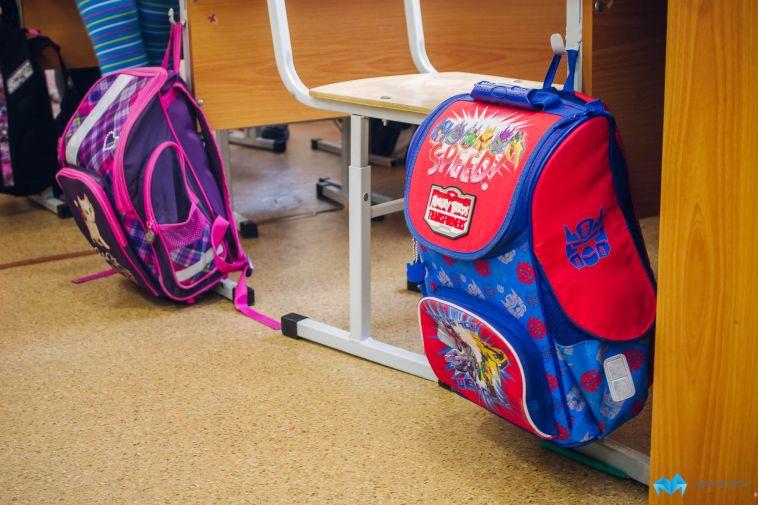 Магнитогорских школьников вновь отправили на занятия, несмотря на морозную погоду