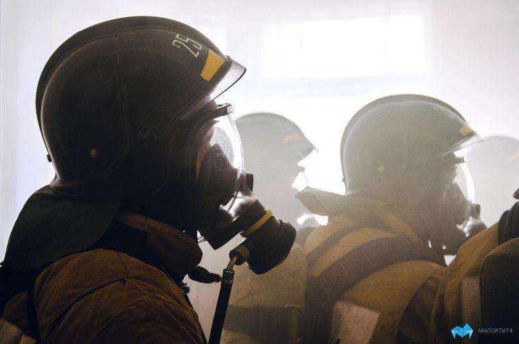 В Магнитогорске загорелся производственный цех