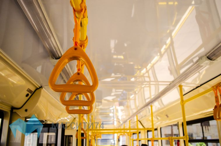ВМагнитогорск изЕкатеринбурга приехал новый трамвайный вагон