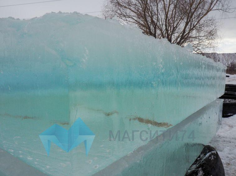 Как добывается лед? В Магнитогорске стартовало строительство праздничных городков
