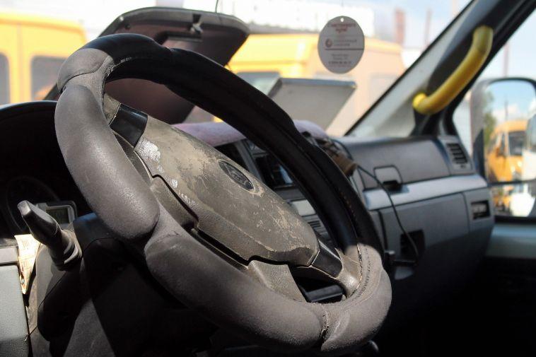 Гастарбайтерам вновь запретят водить маршрутки в Челябинской области