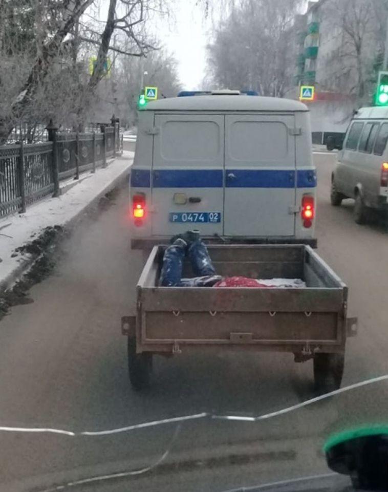 Белорецкие полицейские возили по городу труп в прицепе