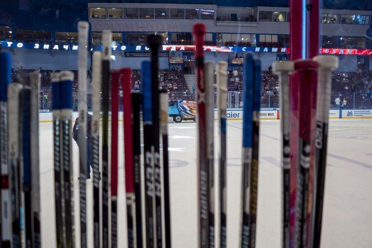 Стартуем с поражения: сборная России уступила шведам на домашнем этапе Евротура