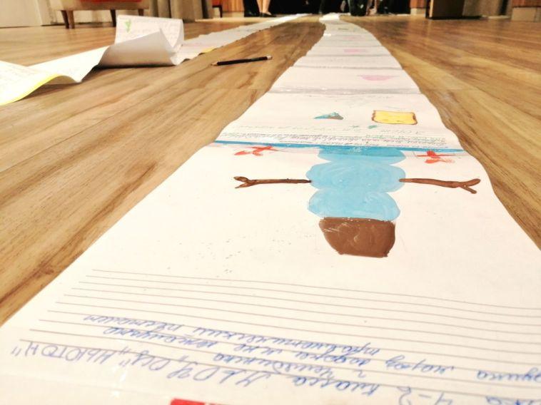 Челябинцы отправили Деду Морозу письмо длиной более ста метров