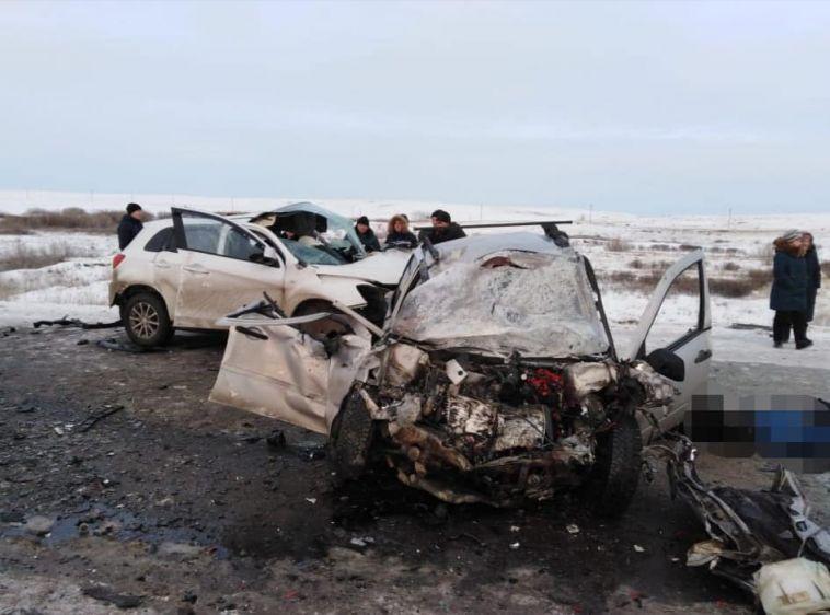 В лобовом столкновении на сибайской трассе погиб водитель