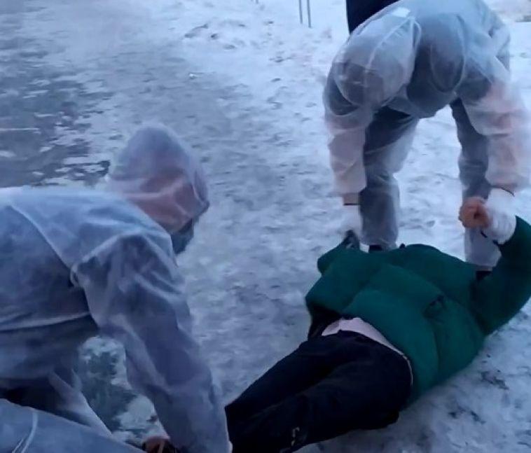 ВМагнитогорске неизвестные взащитных костюмах напугали горожан