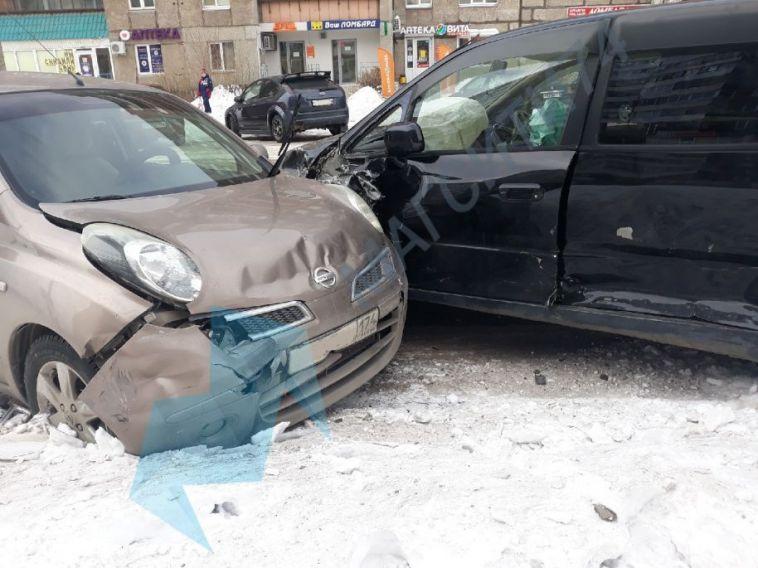ВМагнитогорске водитель автобуса сбил пешехода искрылся сместа ДТП