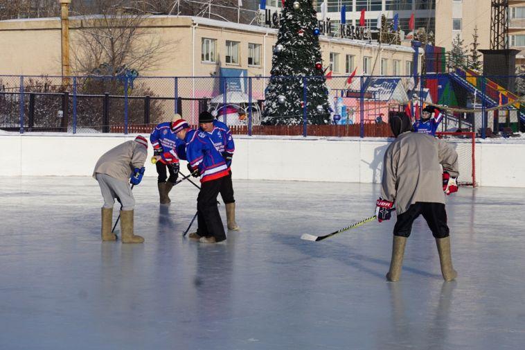 Магнитогорские правоохранители сыграли в хоккей на валенках