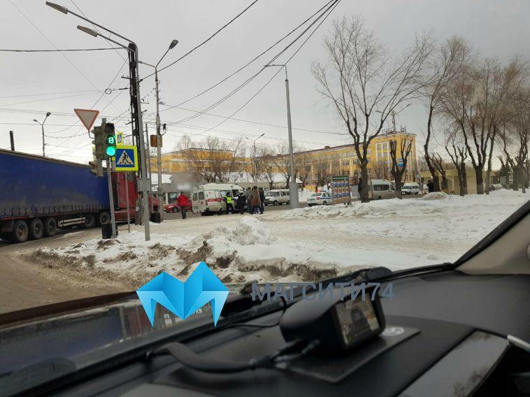 В Магнитогорске фура сбила пенсионерку на пешеходном переходе